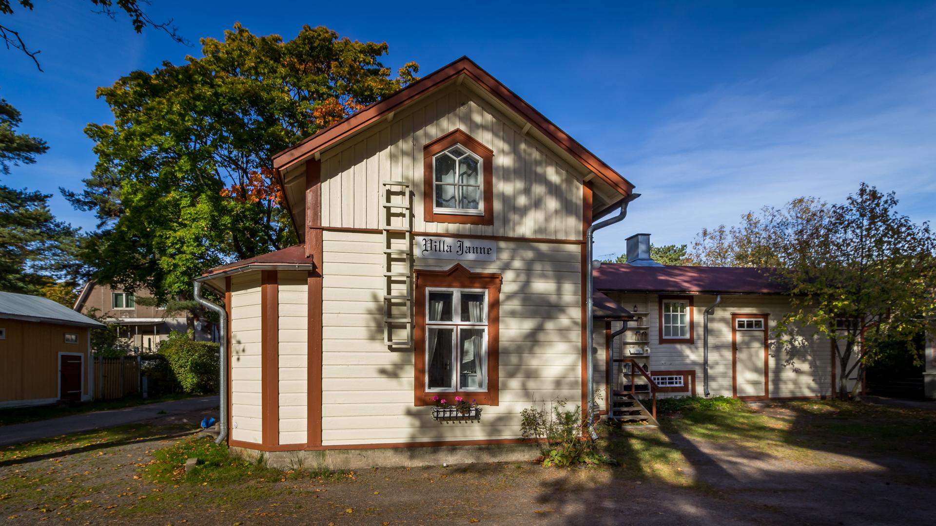 Esittely - Hotelli Villa Maija Hanko - Piharakennus Villa Janne