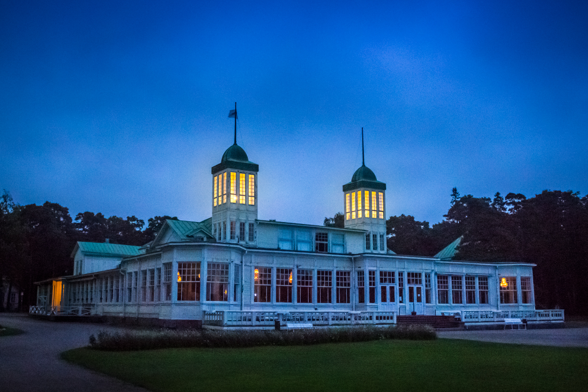 Evening lights of Hanko Casino, September 2015.
