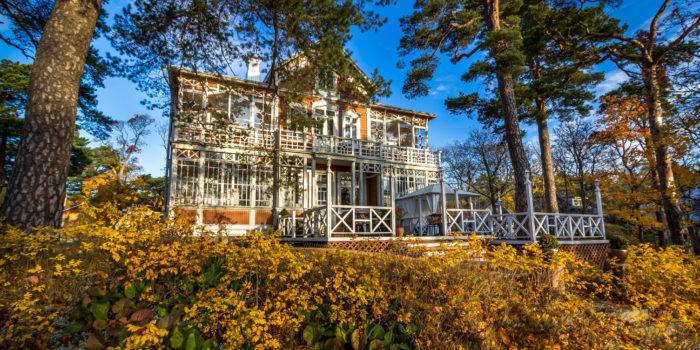 Hotel Villa Maija Autumn Facade